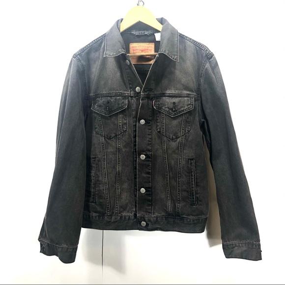 Levi's black denim jean jacket M